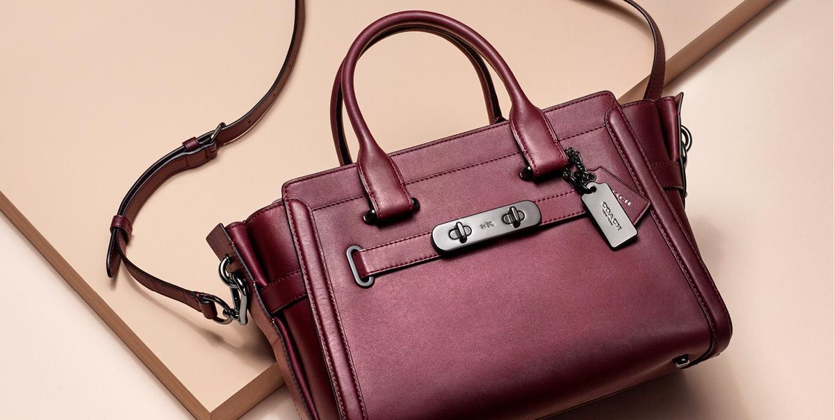 Richly dyed glovetanned leather. #WhatsYourSwagger #CoachSpring2017 https://t.co/Z5RgM0TPvB