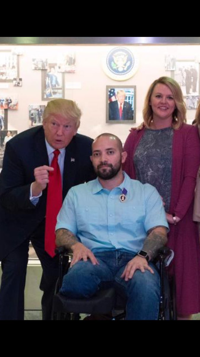 Today #Trump awarded a Purple Heart to Alvaro Barrientos &amp; said &quot;congratulations&quot;  On behalf of America, I&#39;m sorry &amp; thank you Alvaro #Hero <br>http://pic.twitter.com/UzEV2G6DcR