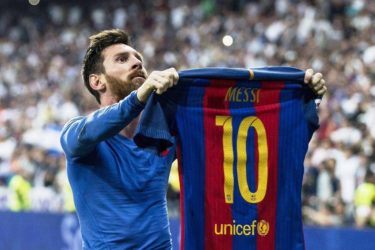 Messi Bicarakan AC Milan dan Inter Setelah Perpanjang Kontrak
