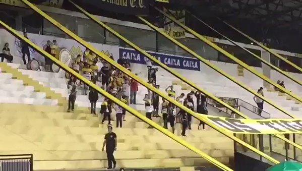 Tifosi del Criciuma inneggiano al disastro aereo della Chapecoense - https://t.co/dKZjFVbg3B #blogsicilianotizie #todaysport