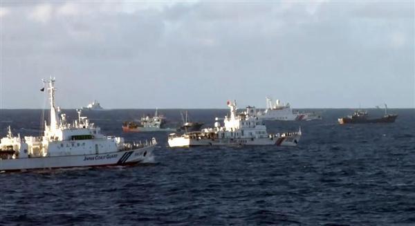 中国船が領海侵入 1隻は機関砲のようなものを搭載 尖閣周辺、今年11日目  https://t.co/T8wm27XJnq  #中国 #中国船 #尖閣 #領海侵入