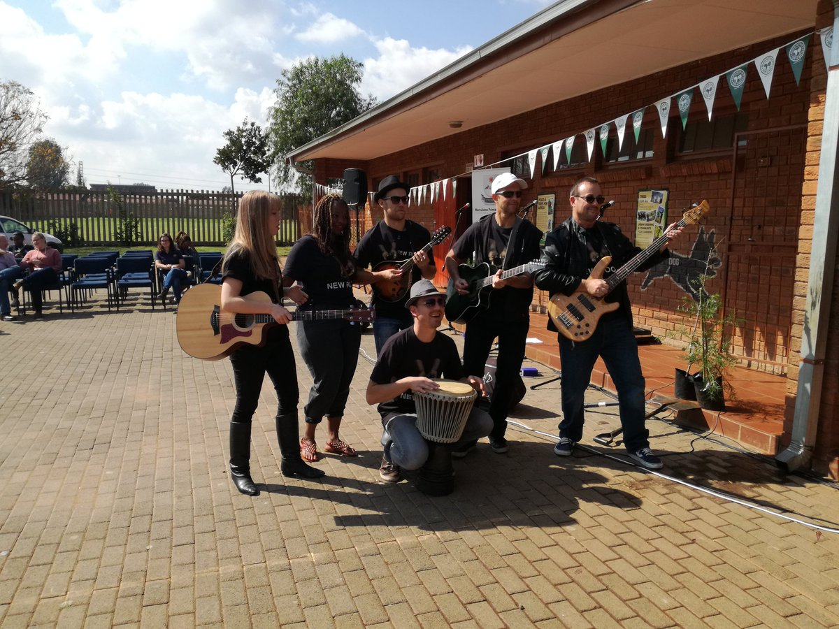 The New Roots Project getting ready to perform their brand new One World song for #EarthDay #EarthDayEveryday #One World #earthdaysongs <br>http://pic.twitter.com/qJT1PxR076