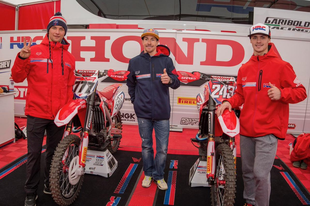 How to spend a Sunday off @NickyHayden edition #MXGPofEurope & a visit to @hondaracingcrf Tim Gajser and @EvgenyBobryshev #HondaRacingFamily https://t.co/zA7kJbHqch