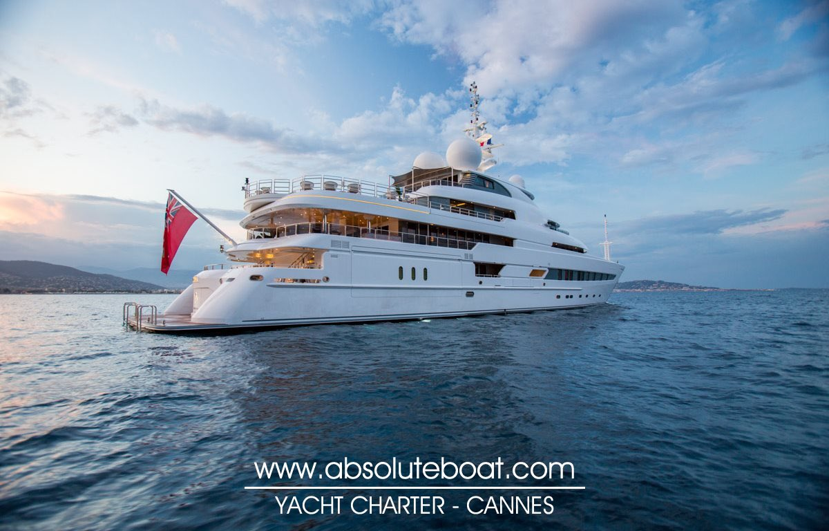 73.60m in the south by Absolute Boat #cannes #cotedazurnow #canneslions #mipim @cannes_lions @MIPIMWorld @blvdlacroisette @localguides<br>http://pic.twitter.com/ZtuN0ouo7s