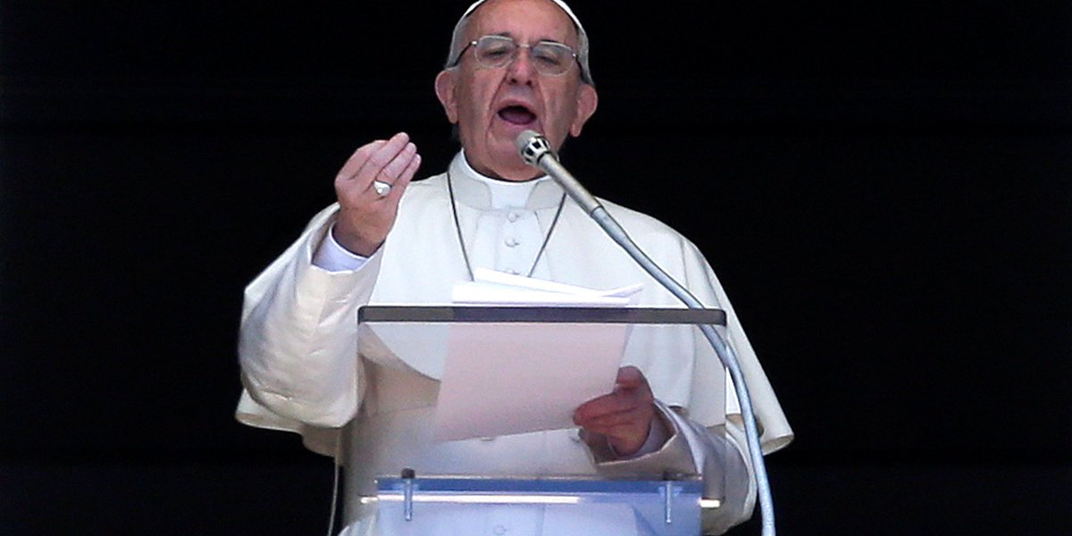Pope Francis compares refugee centres to 'concentration camps' https:/...