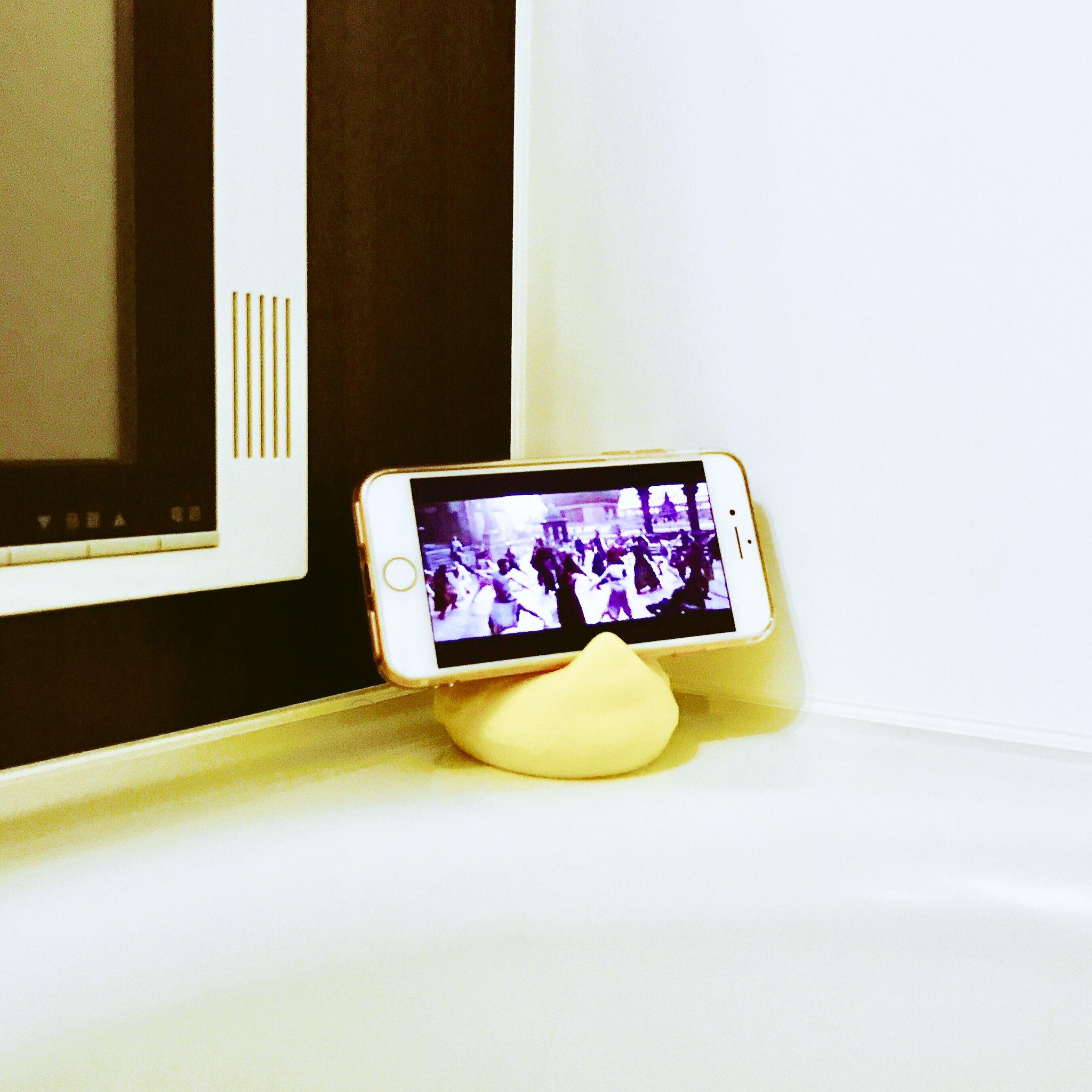 これは違和感ゼロwwお風呂のスマホ置きはアヒルがおすすめwww