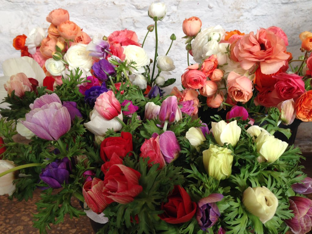 Beautiful blooms here today for those lucky people booked onto our #bouquetworkshop with @jwblooms #workshop #events<br>http://pic.twitter.com/ETVoPuHs6e