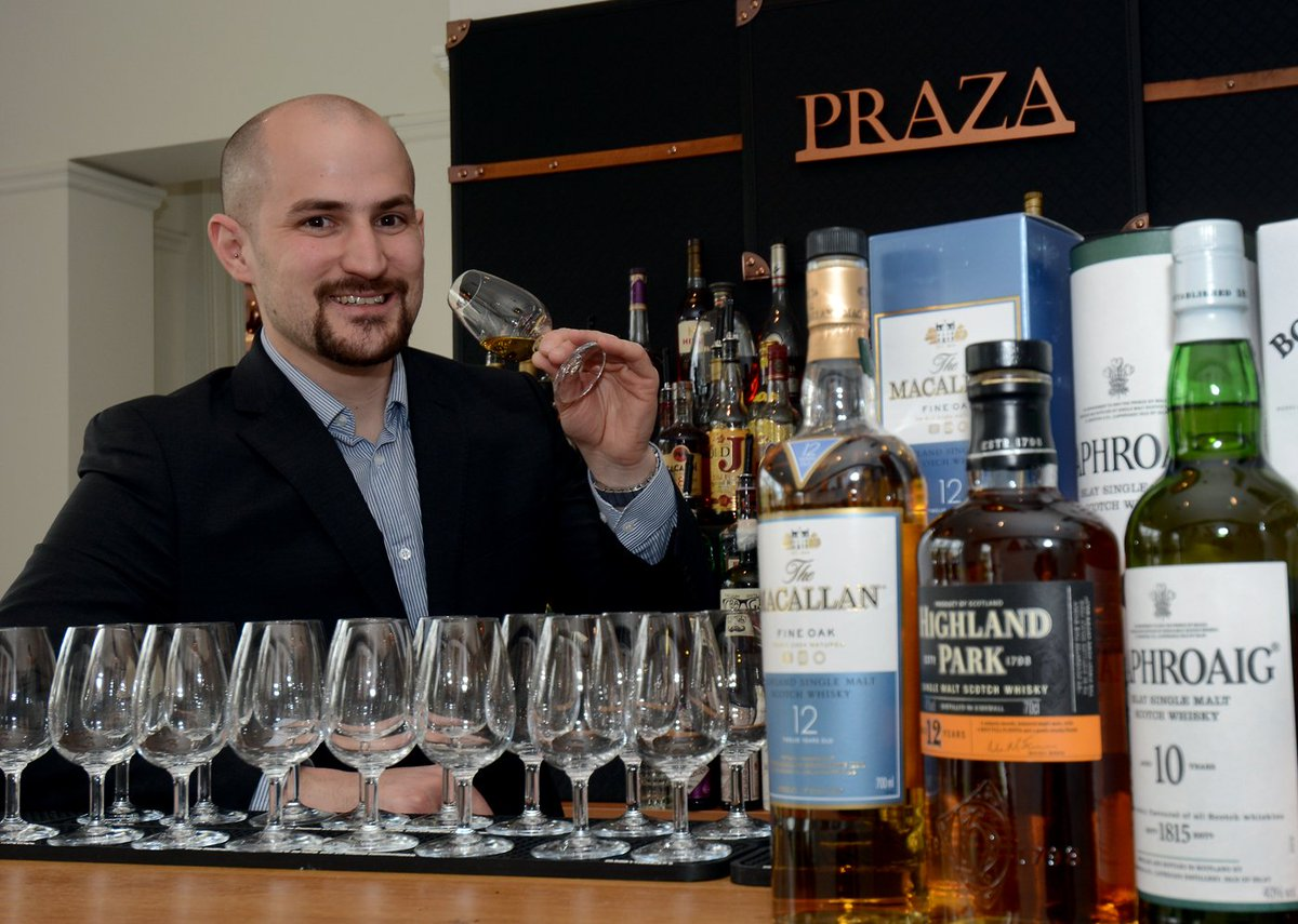 Fab time with the Master of Whiskey Joe Ellis @PrazaEdgbaston @GEMMagazineUK #QualityNetworking #WhiskeyMasterclass #TalkingBusiness
