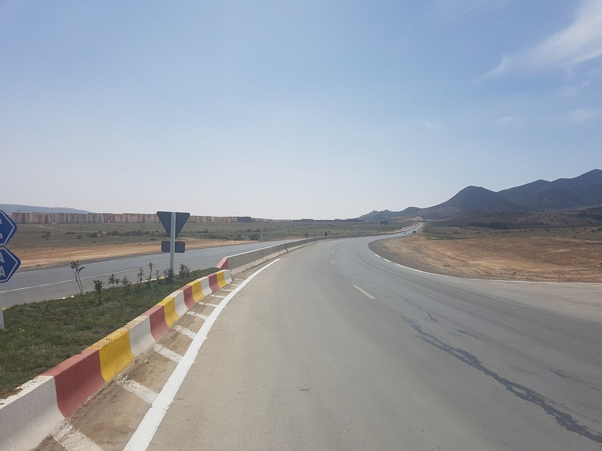 Sellal à Batna : inaugurations et inspections de projets de développement 16