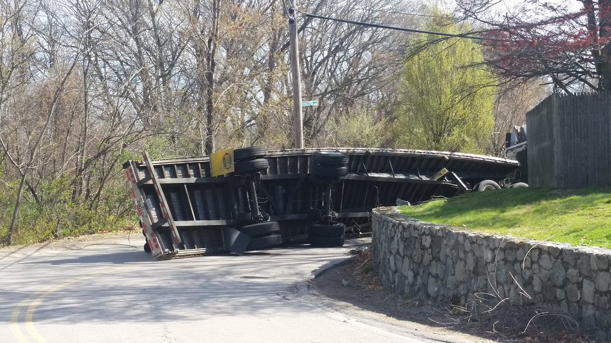 Just getting word about this tractor-trailer rollover on Minnesota Ave...