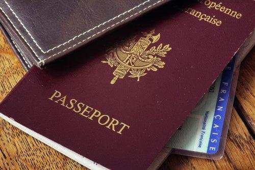 [#Démarches📝] Vous préparez vos #vacances d'été ? Pensez à faire votre demande de #passeport dès aujourd'hui 👉 https://t.co/g9N56KBWVh ✈️