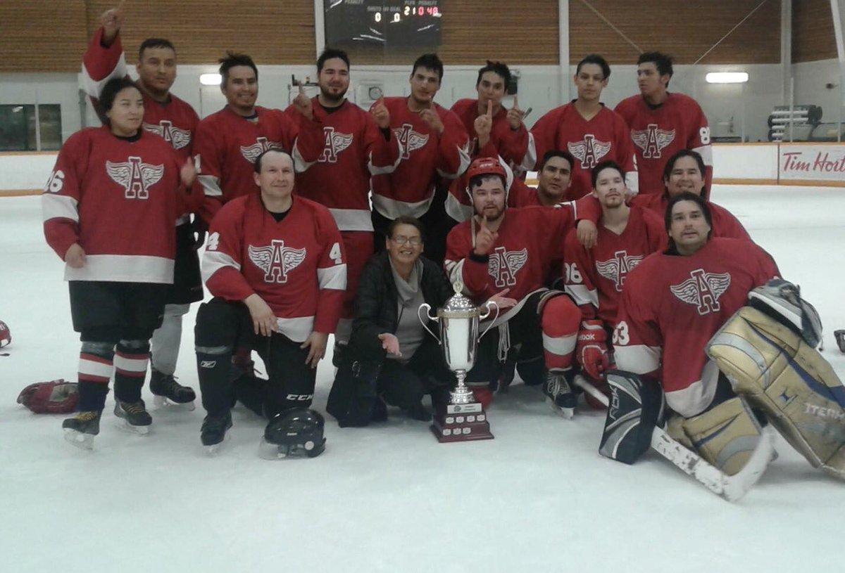 Won Edm Div1 Championship w @Alexis_Nakota Red Wings #LoveHockey #CHAMPS <br>http://pic.twitter.com/bZjOCXh5gs