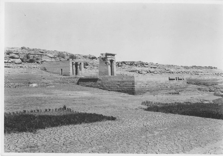 The long journey from #Egypt, The Temple of Dendur: Celebrating 50 Years at The Met!  http://www. metmuseum.org/about-the-met/ curatorial-departments/egyptian-art/temple-of-dendur-50 &nbsp; … <br>http://pic.twitter.com/LquHbX1TFh
