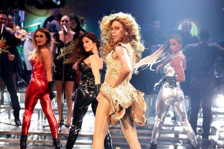Do @sitevirgula: Ícaro Silva vestido de Beyoncé no 'Faustão' é a cara do domingo brasileiro https://t.co/OJBvQbwUqV https://t.co/r48nnKVCWP