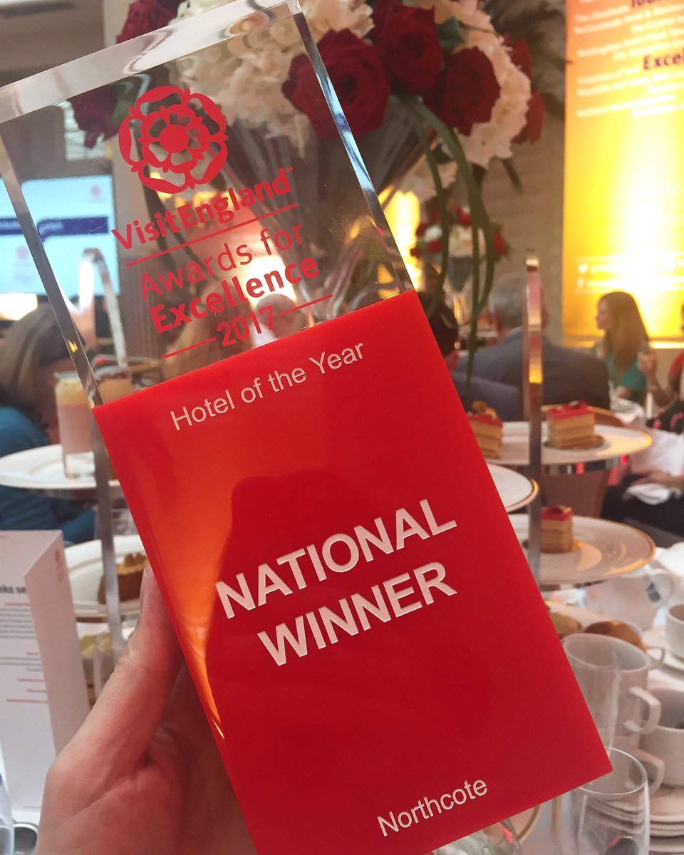 We only went and did it!  #VEAwards17 #hoteloftheyear https://t.co/Ekuk5xouXn