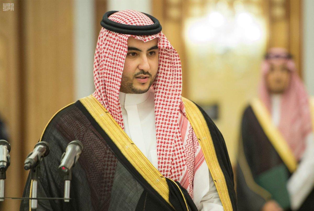 أخبار السعودية A Twitteren صورة الأمير خالد بن سلمان بن عبدالعزيز سفير المملكة لدى واشنطن يؤدي القسم أمام خادم الحرمين