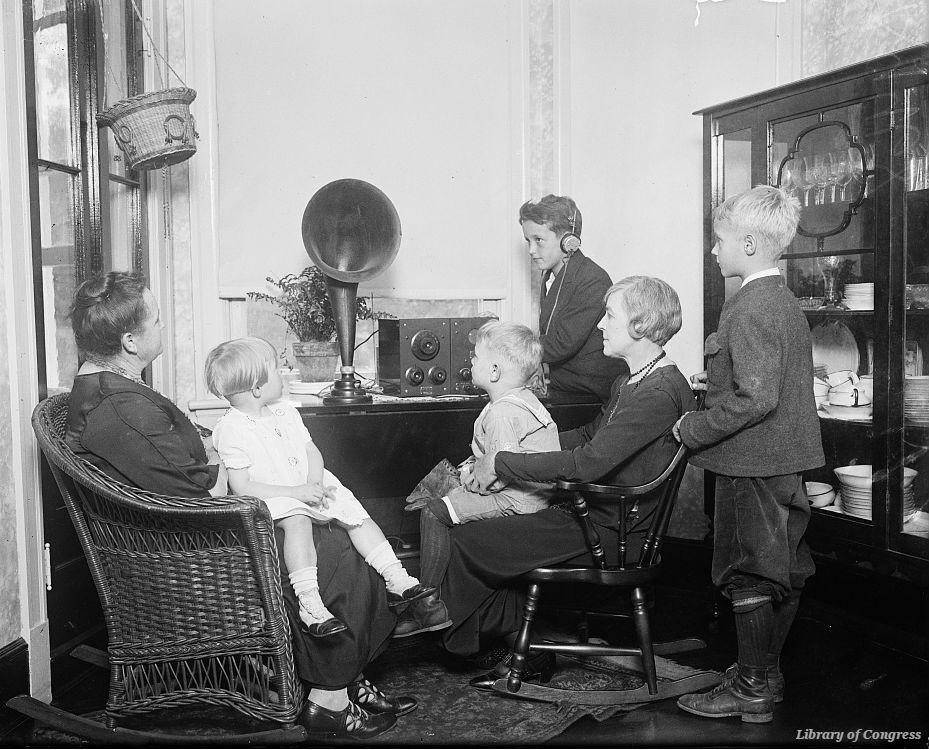 #OTD in 1924 #NE senator Robert Howell proposed broadcasting #Senate floor proceedings over the radio https://t.co/M5jG1sCMIM https://t.co/F6yWbWxtVM