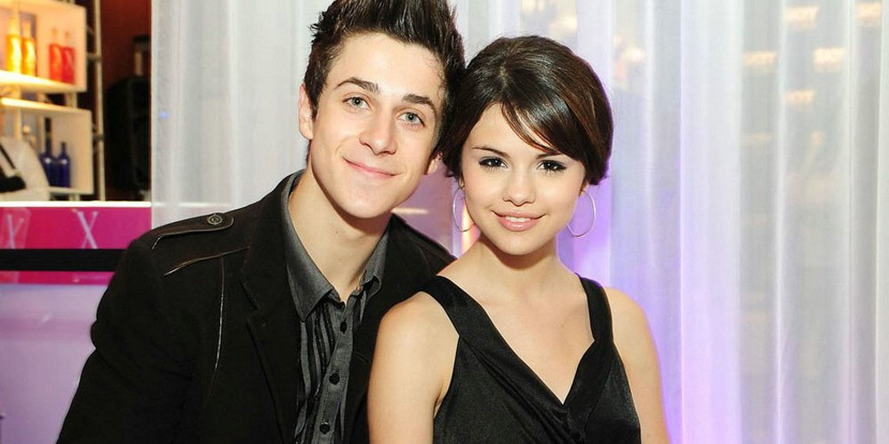 .@selenagomez Got Emotional Over Her 'Big Brother' @DavidHenrie Gettin...