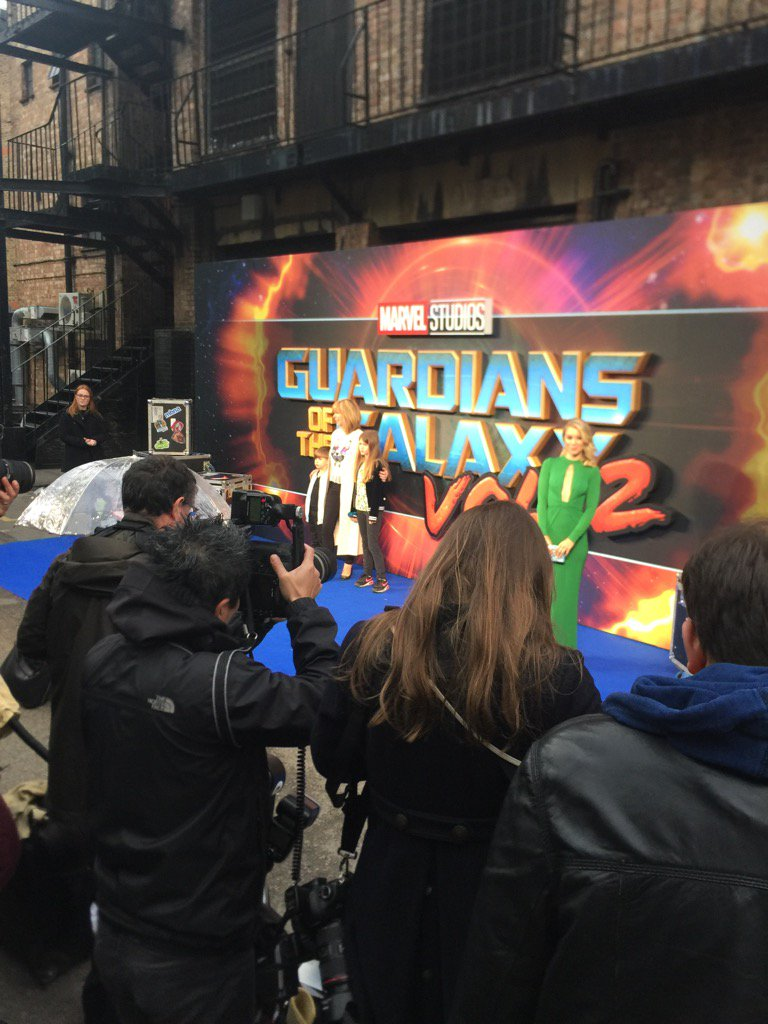 On the blue carpet at #GUARDIANSOFTHEGALAXY2 https://t.co/B17dHzMBTl