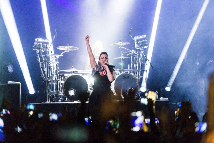 Do @sitevirgula: Em São Paulo, Evanescence surpreende ao esbanjar boa forma como se fosse 2003 https://t.co/sMgccZC5WG https://t.co/QyRMZ8VVql