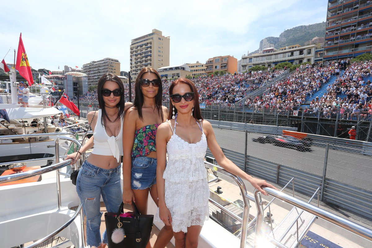 Amber Lounge #Monaco teams up with Fashion Designer SAFiYAA for the #MonacoGP &gt;  http://www. cityoutmonaco.com/amber-lounge-m onaco-teams-up-with-fashion-designer-safiyaa/ &nbsp; …  #F1 #AmberLounge #LuxuryTravel<br>http://pic.twitter.com/NJrt0ghLMr