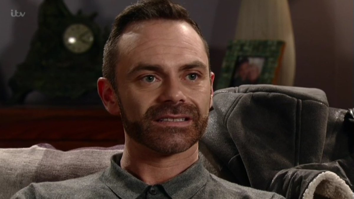 Awkward  #tilly #billy #corrie<br>http://pic.twitter.com/mTEroad7FC