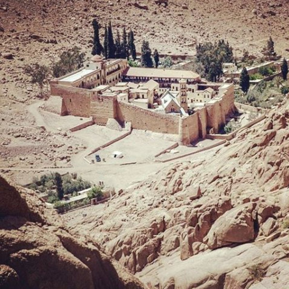 Letter, personal testimony, from Holy Monastery of St. Catherine in #Sinai #Egypt concerning #ISIS terror attack  http://www. instagram.com/p/BTRsjJHhbD_  &nbsp;  <br>http://pic.twitter.com/vBtxW9madR