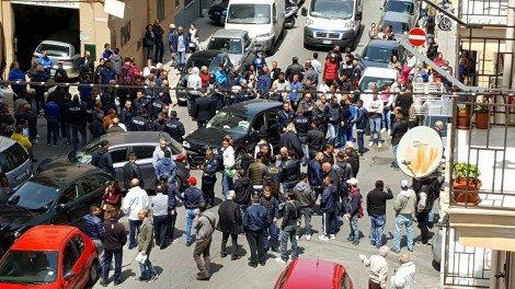 Drammatico incidente a Palermo, muore una bimba di sei anni: la madre incinta portata in ospedale (FOTO)… https://t.co/bu3N9Qdc9C