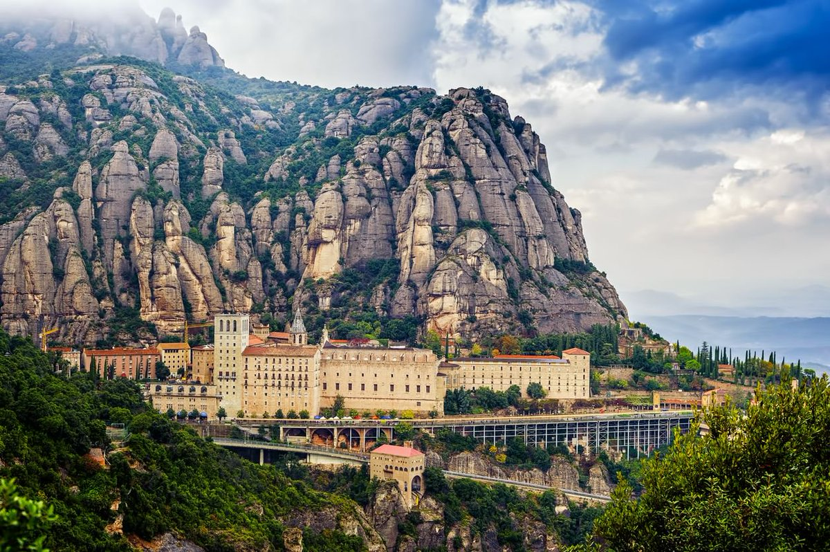 We suggest seven #trips for exploring #Catalonia starting from #Barcelona.  http:// buff.ly/2oCPrTQ  &nbsp;   @catexperience<br>http://pic.twitter.com/q3MfP2E4eF