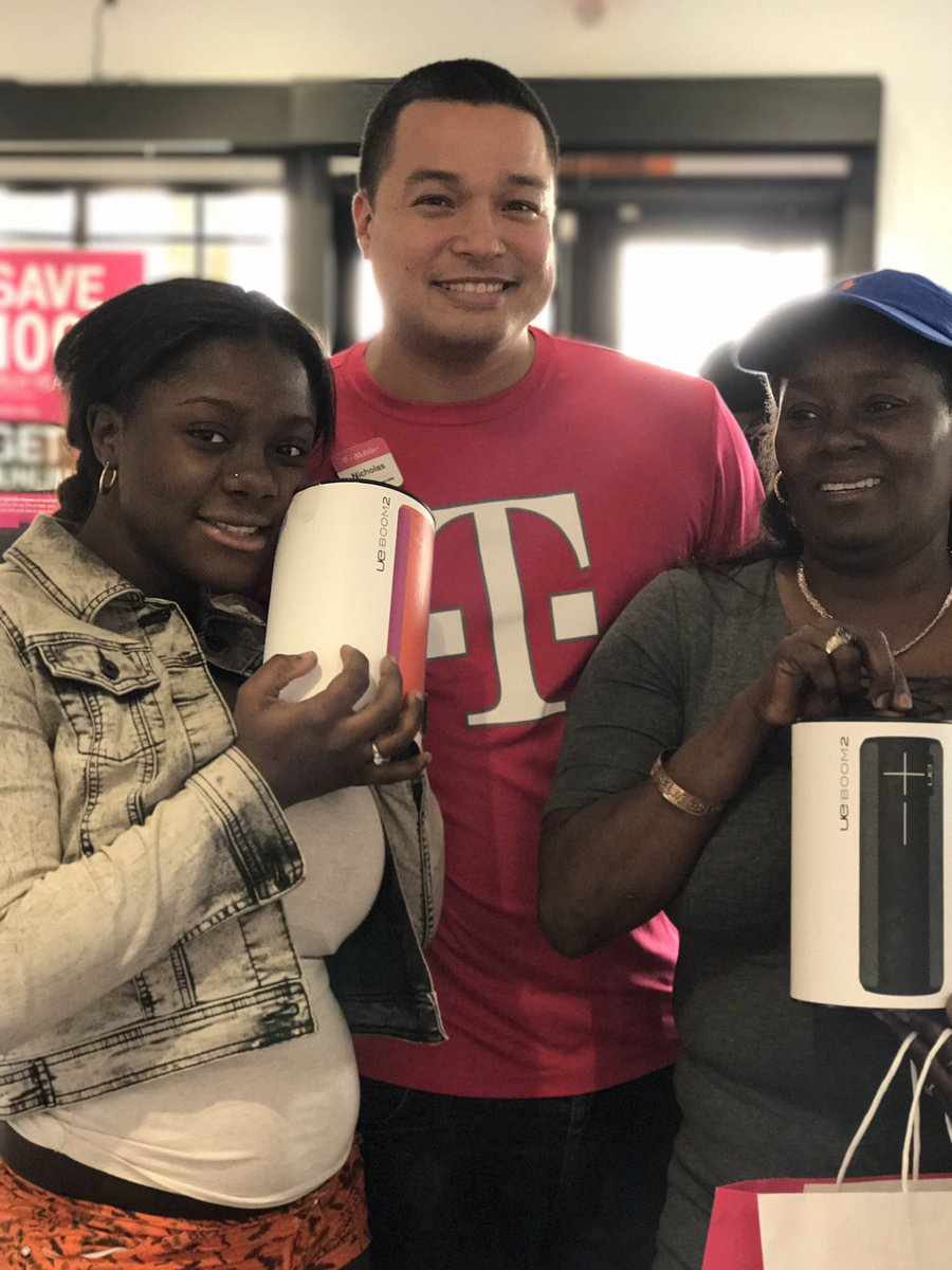 Come pick up your 🎶UE Boom🎶! Happy smiles from our lovely customer here @ Pines & Douglas 😬😬😬 @JenPatino11 @edwinrod112 @elua1780