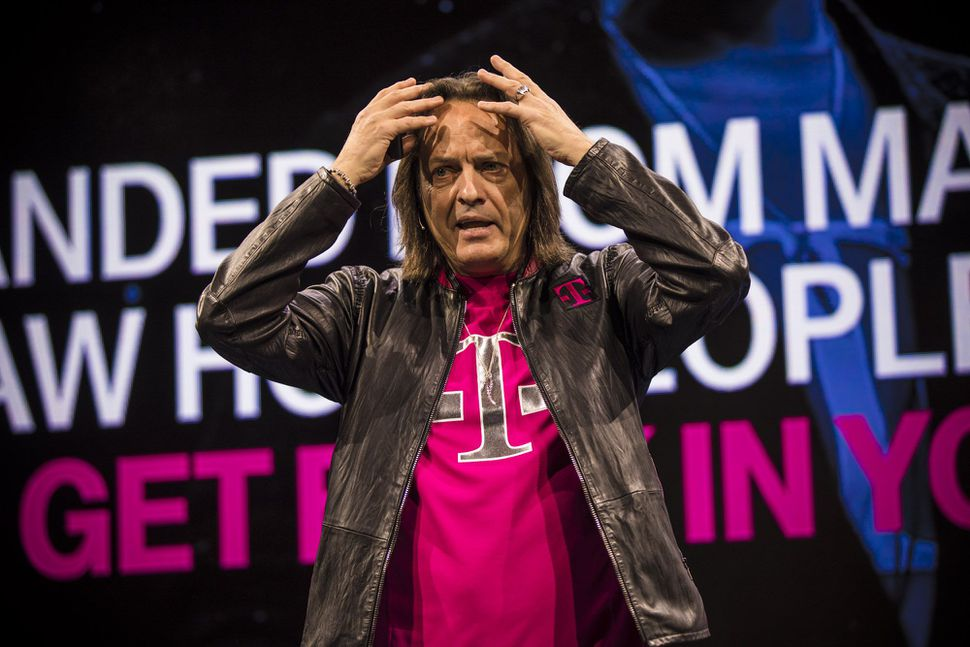 #TECH T-Mobile&#39;s all-in bet on unlimited pays off  http:// cnet.co/2pu4GDJ  &nbsp;   #TMobile <br>http://pic.twitter.com/q7W4P4Jw9y #News #Technology #aws #startup