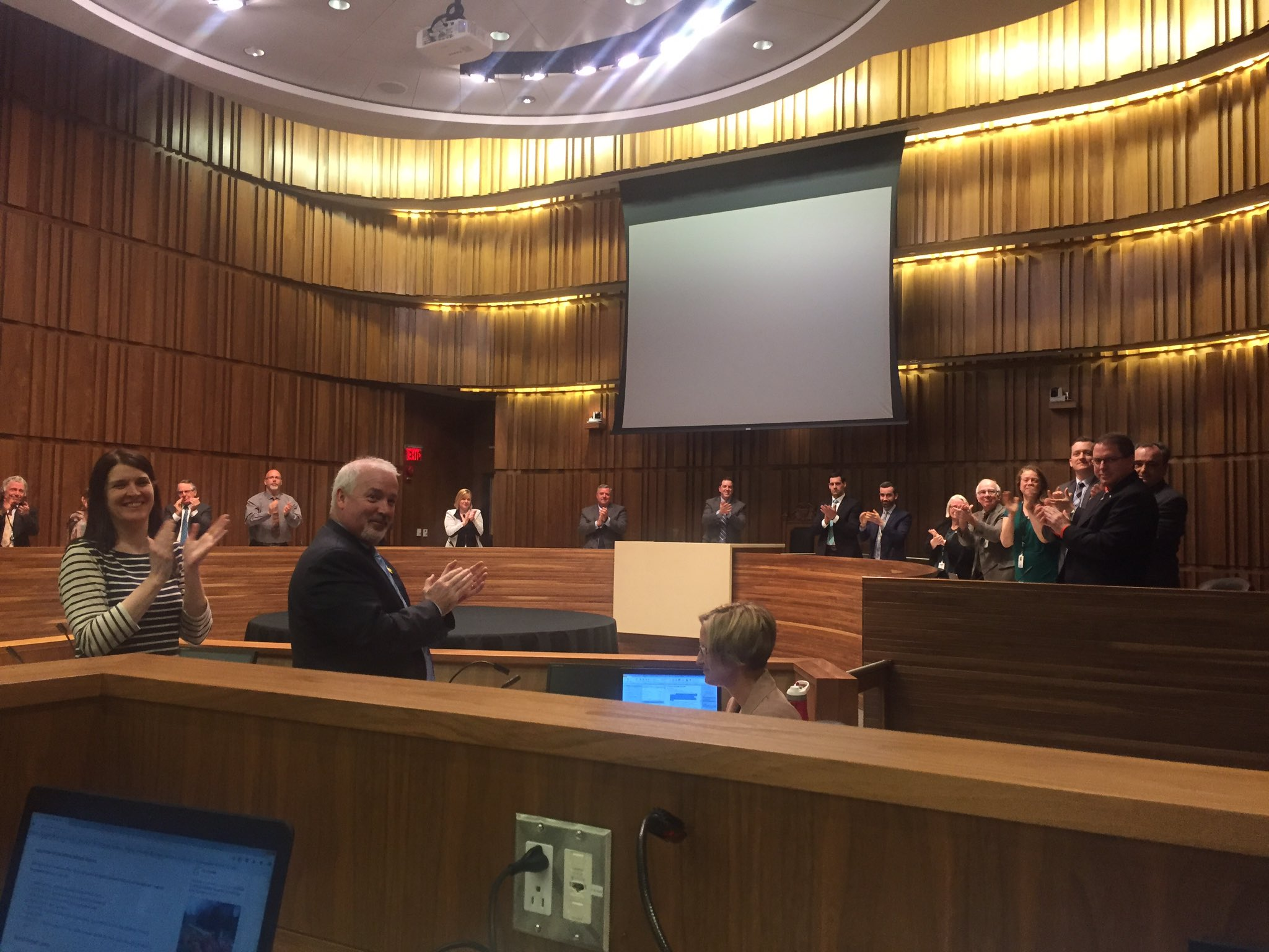 That's Guelph's city council giving a standing O to a journalist, the @MercuryTribune's Doug Hallett https://t.co/QG0Mpy2dGe