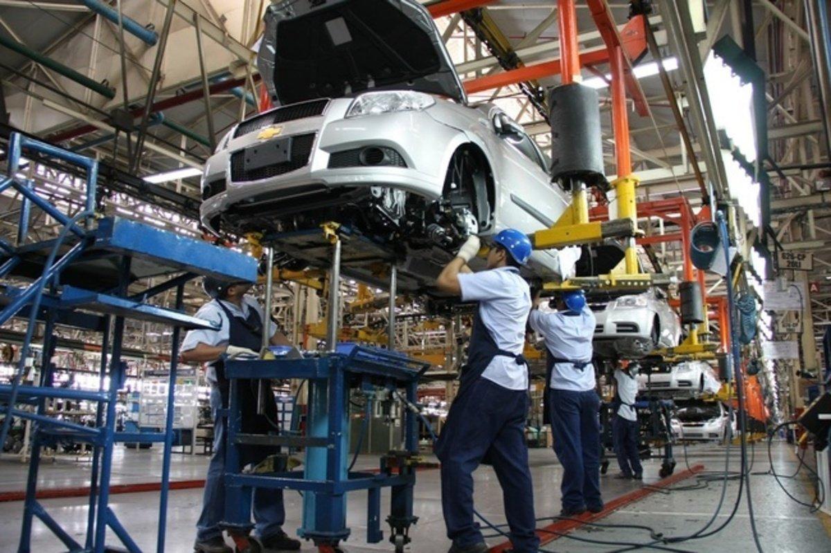 El sector automovilístico coloca deuda por 40 mil mdp en BMV durante 2017.  👉 https://t.co/Zv8Q0PtetI https://t.co/iEdtZKFwLb
