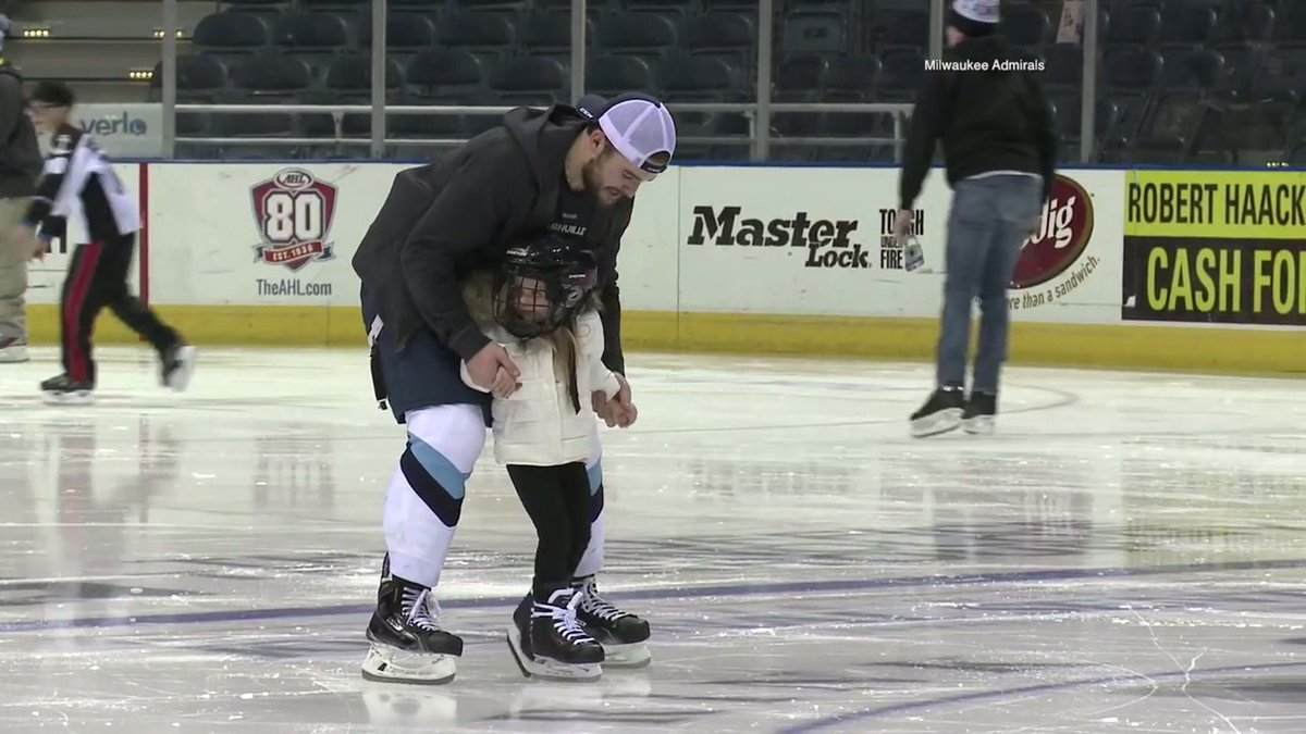 """""""It's a lot of fun:"""" @mkeadmirals players balance being hockey stars and parents: https://t.co/3puHA0buZU https://t.co/A2v3OW9BUY"""