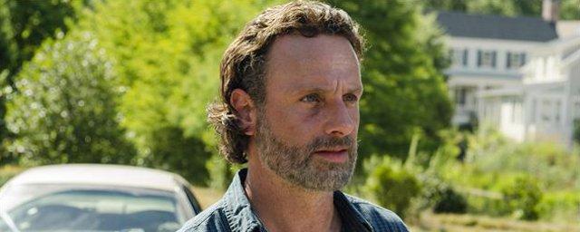 The Walking Dead : Rick prêt à se sacrifier dans la saison 8  http://www. allocine.fr/article/fichea rticle_gen_carticle=18663412.html  …  #cinema #TheWalkingDead pic.twitter.com/4Ov7qbxulw