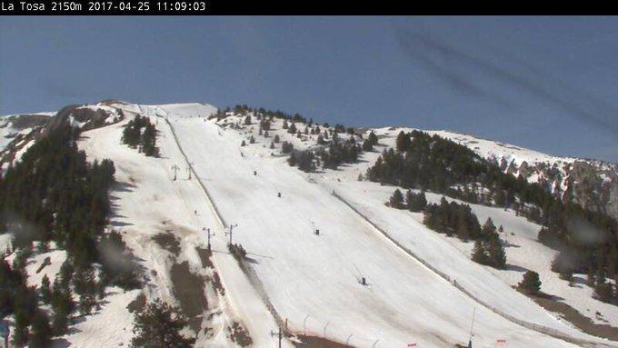 #Masella es la única estación de esquí alpino de la Península que se mantiene abierta hasta el 1 de Mayo!!! https://t.co/oYQt996UQU 🙂👍❄️⛷️🏂🔝