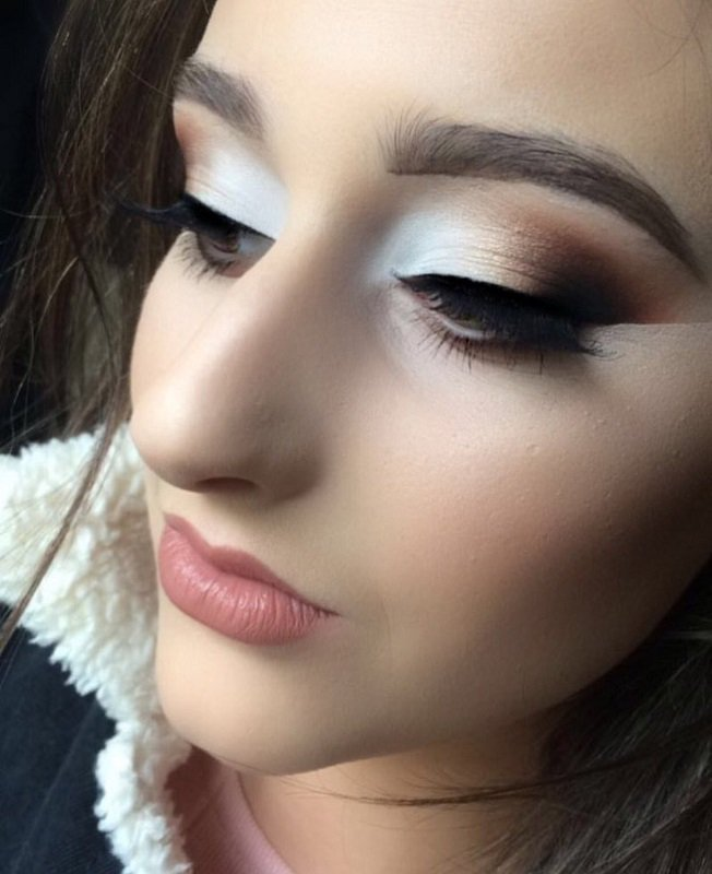 Join us @inglotireland Thur 27th for a Masterclass with Leah  from 5-6 Book Now on 021-4614002 - 10euro redeemable! #BBloggers #makeup <br>http://pic.twitter.com/IFJlYZDtQQ