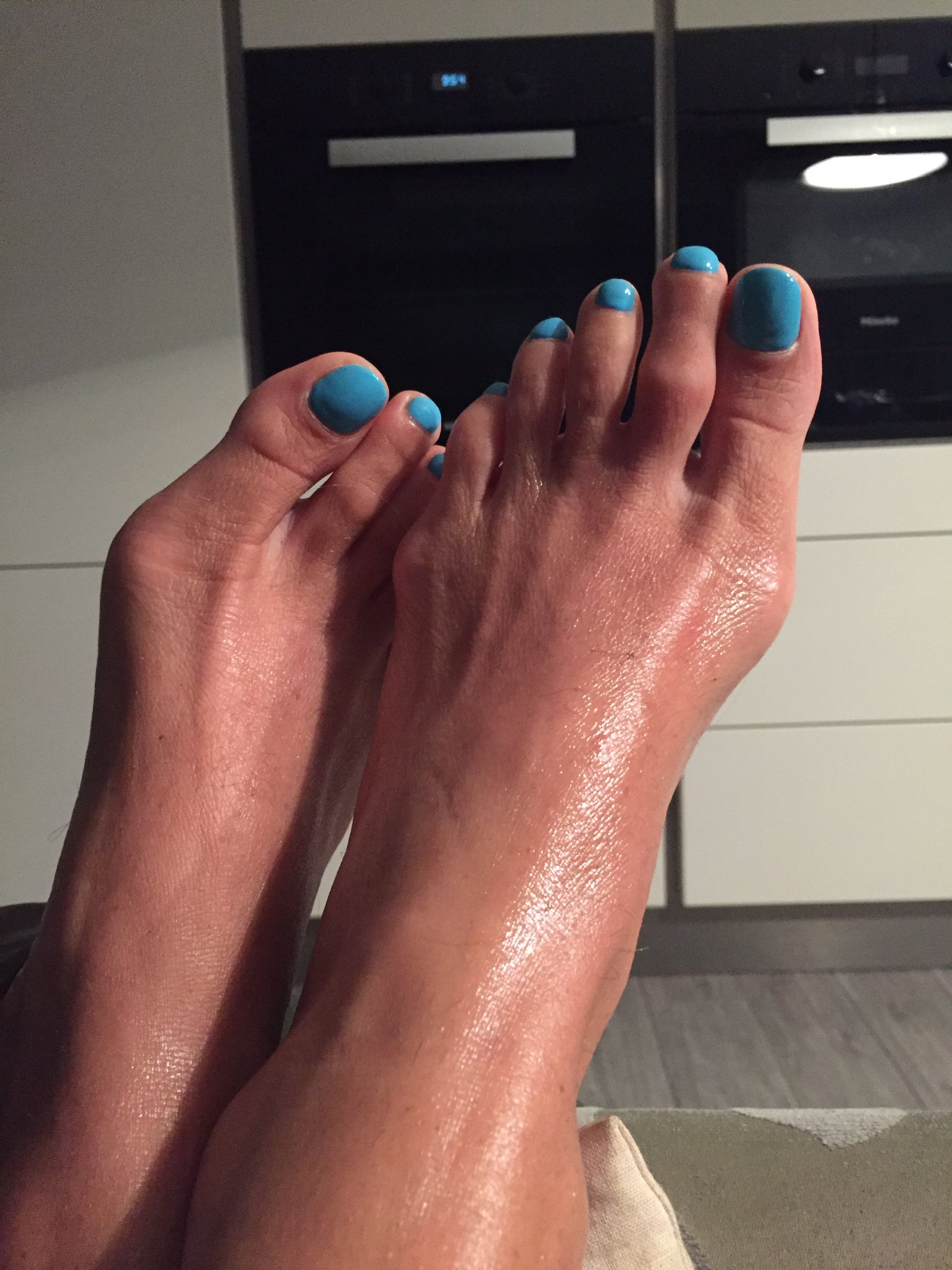Do you like showing off your pantyhose feet? - Quora