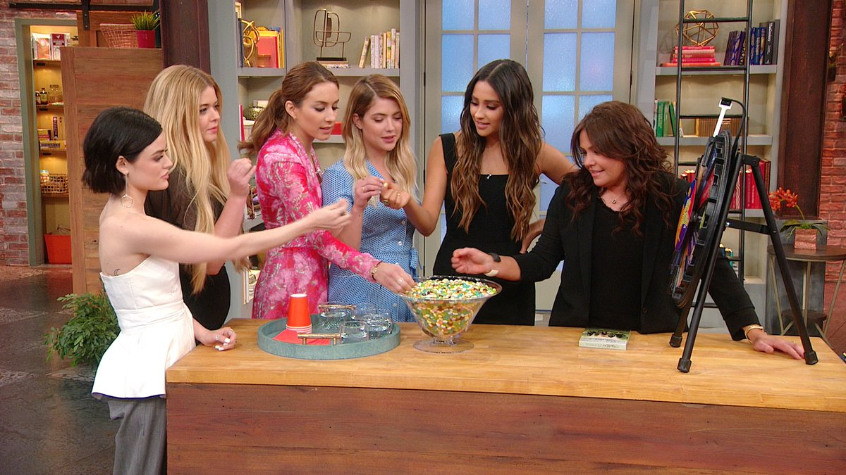 TODAY a hilarious taste test with the @PLLTVSeries ladies, how to lose 20lbs in 5 weeks + @stacylondon on leggings! https://t.co/VNUwUDxvQO