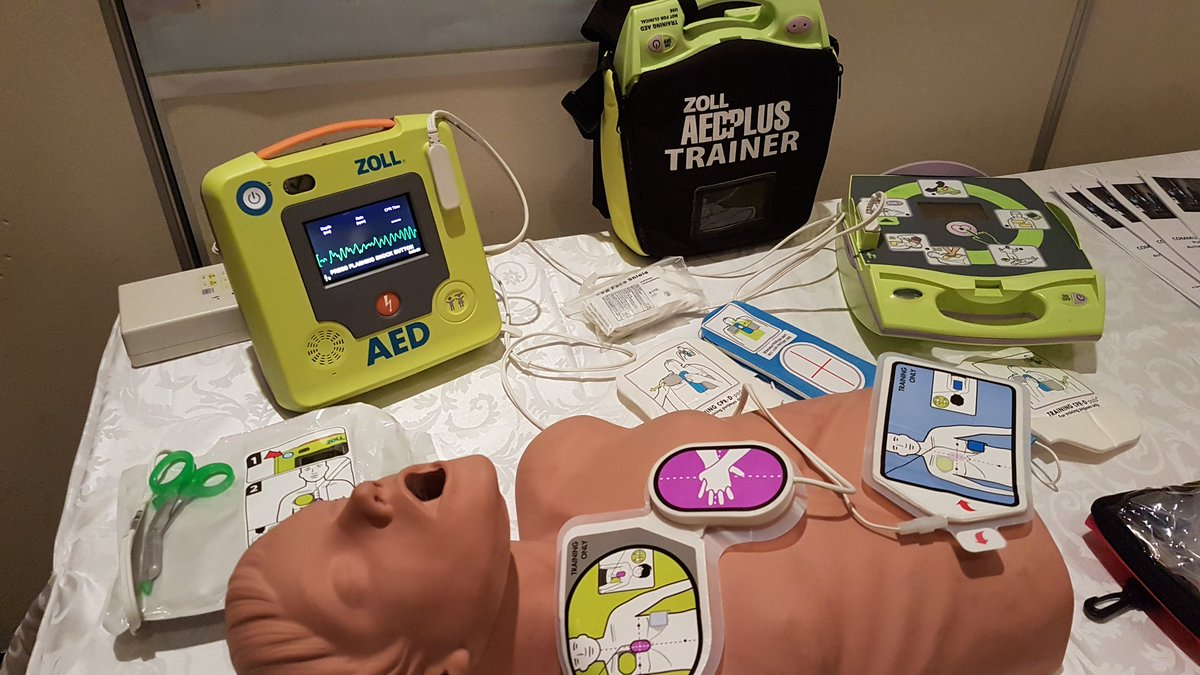 @Peel_Paramedics is showing off the new @ZOLLaeds AED3. For @regionofp...