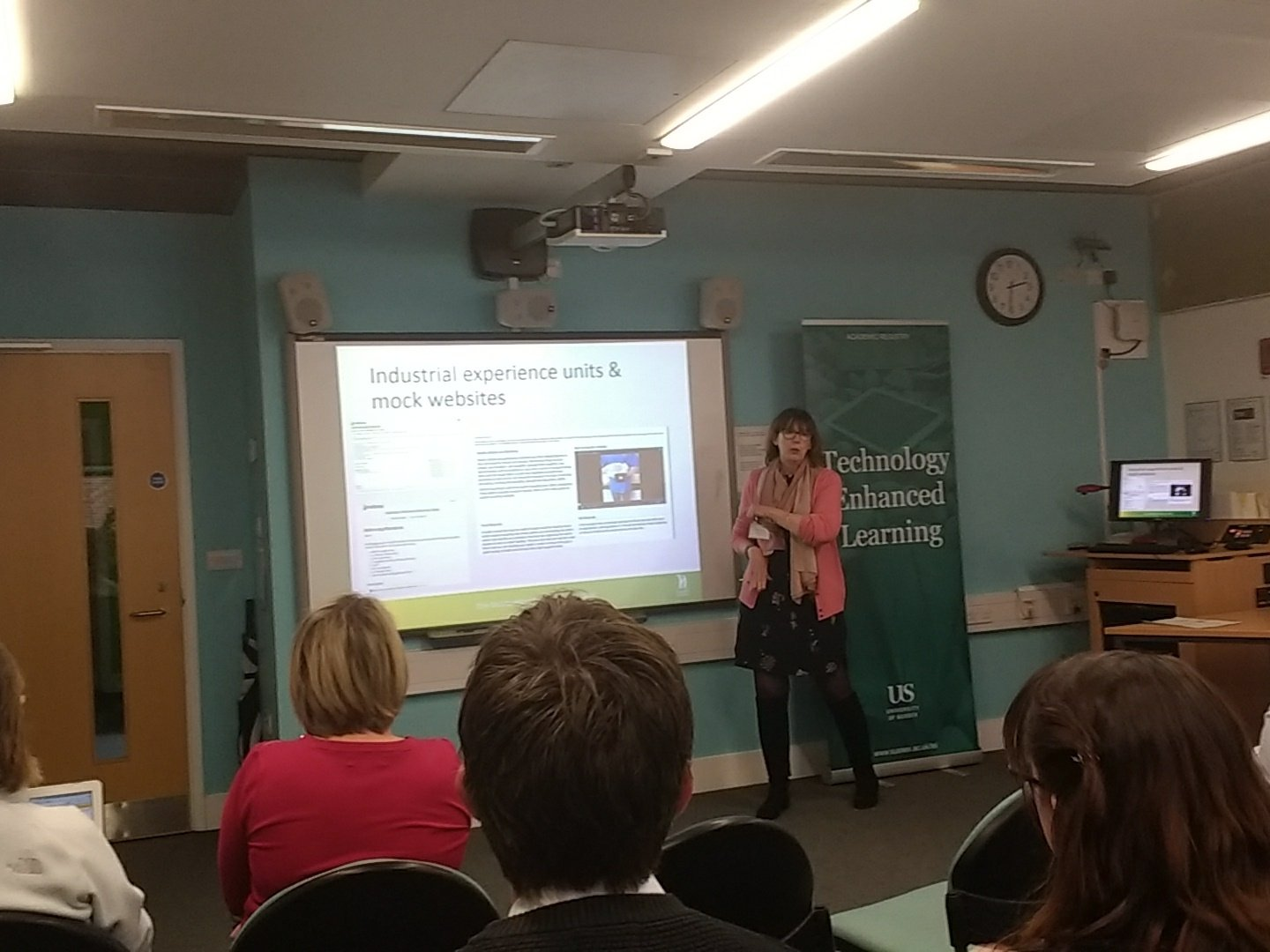 Louise Carr explaining how Mahara is used at @Hadlow_College - allows students to showcase their skills to potential employers #MUGSE https://t.co/3ID1QOieSW