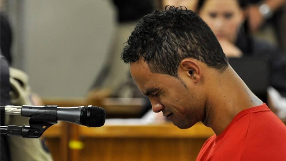 URGENTE: STF decide mandar goleiro Bruno de volta à prisão https://t.co/dIguWC0jmp