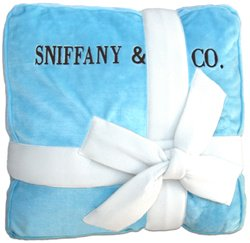 SNIFFANY & COMPANY BED! Grab it:   #dogs #dogbed #dogsoftwitter #puppy @PoshPuppy