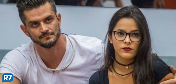 Marcos Harter é denunciado pelo Ministério Público por agredir Emily https://t.co/3hINn9dMHI #Notícias