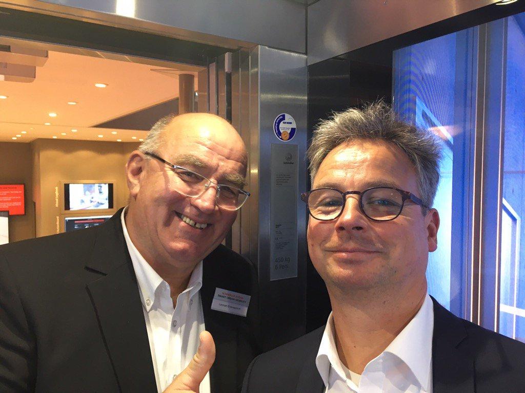 Mit #Schindler im Gespräch über Smart Urban Mobility Solutions #hannovermesse #HM17 https://t.co/BZWPfyxj3T