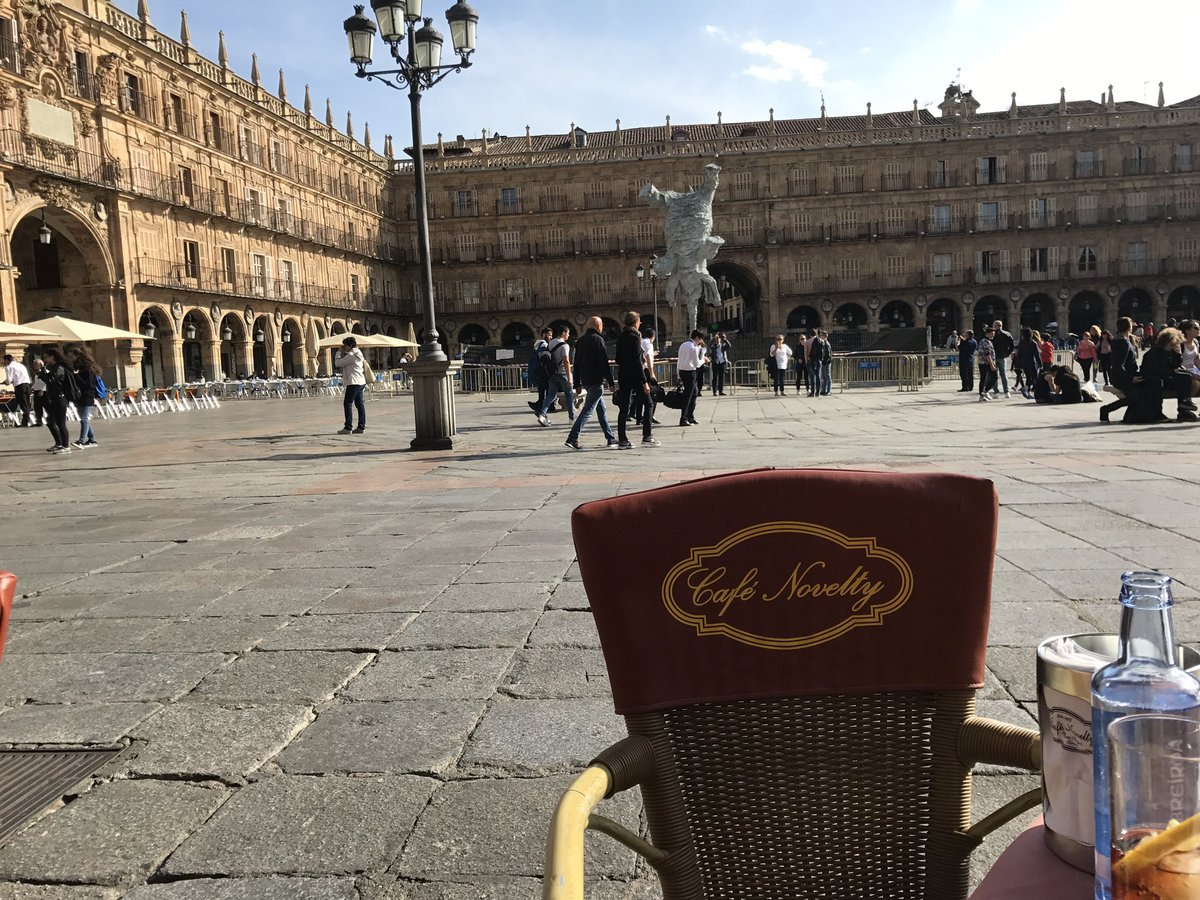 Tapas in the lovely plaza mayor #Salamanca waiting for the kick off of #StartupOle @LuceyFund<br>http://pic.twitter.com/Pyo6WqT7UY