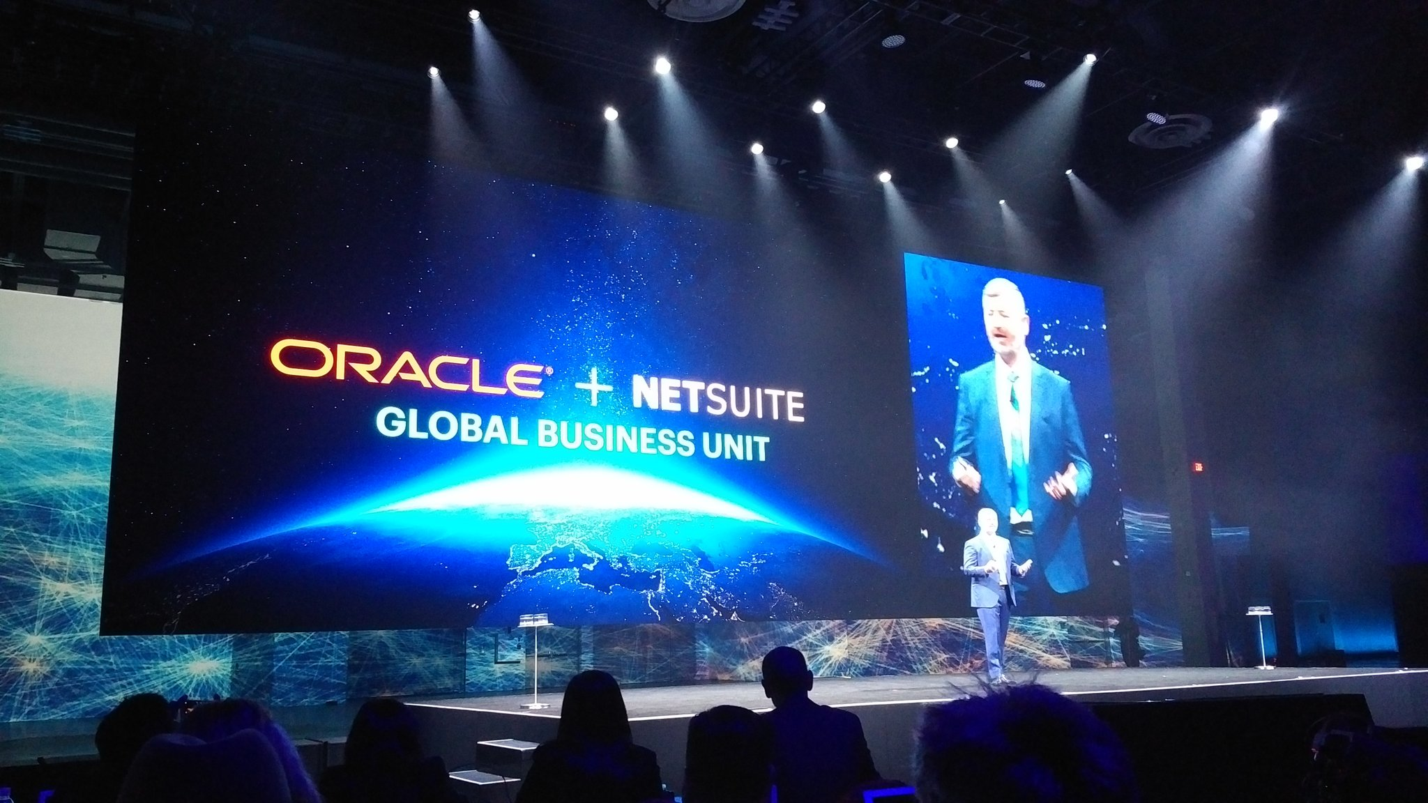 McGeever - @NetSuite is now an @Oracle global business unit. Him and Evan reporting to @MarkVHurd #SuiteWorld17 https://t.co/4Iw4HWFV8Q