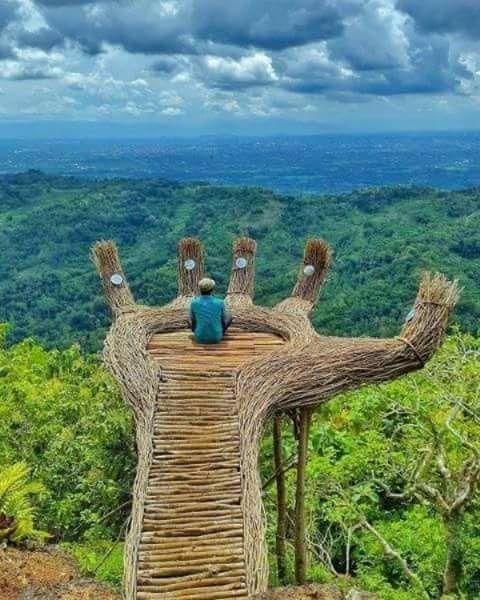 La vie est un chemin... Et les secrets de l'âme qui voyagent avec nous ... deviennent des poèmes...