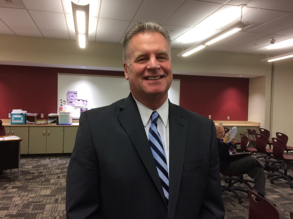 Tweeting from the Pottsgrove School Board tonight where Robert P. Harney is to be named Ass't Superintendent. https://t.co/POzAoHEKvH