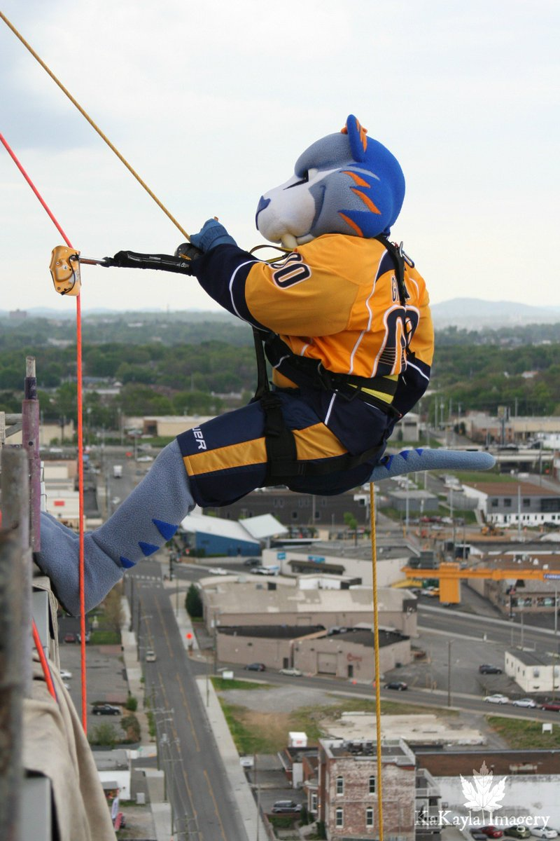 Thanks to @overtheedge for allowing me to rappel down the @omniNashvil...